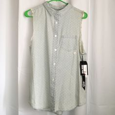NWT Pacsun Top NWT. SMALL. brand is Lue which is sold in Pacsun PacSun Tops Button Down Shirts