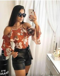 Pin by alberto cervantes ibarra on oufits in 2019 Stylish Tops, Trendy Tops, Summer Outfits, Casual Outfits, Cute Outfits, Casual Dresses, Summer Dresses, Girl Fashion, Fashion Dresses