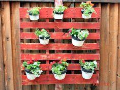 7 Inspired Ways to DIY a Pallet Garden
