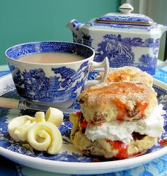 Old Willow Cream Tea - Home-made fruit scones with fresh butter curls, fresh cream and home-made strawberry jam.and pretty dishes Fruit Scones, Table D Hote, Tea And Crumpets, Cream Tea, Afternoon Tea Parties, Cuppa Tea, Tea Sandwiches, English Food, My Tea