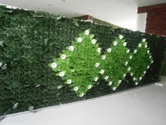artificial hedging screen for privacy or partition in restaurant, this can save business cost in separating single rooms