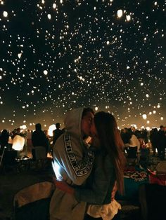 How to take the cutest couple photos, all the couple goals, so romantic, beautiful boy and girl, cuddling and kissing - Today Pin