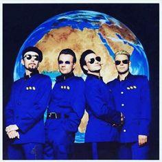 U2 in lemon suits <3