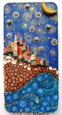 Calda terra fra cielo e mare Warm hearth between sky and sea By Silvia Logi Pebble Painting, Pebble Art, Stone Painting, Recycled Art Projects, 3d Wall Art, Collaborative Art, Button Art, Whimsical Art, Clay Art