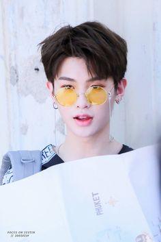 nine percent justin Korean Boys Ulzzang, Cute Korean Boys, Justin Produce 101, V Drama, Justin Huang, Boy Idols, Yuehua Entertainment, Percents, Cute Faces
