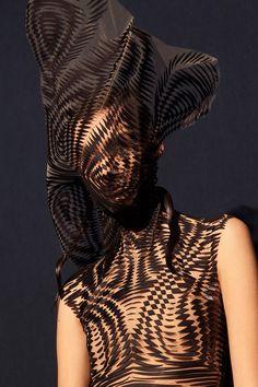 iris van herpen couture ss18 paris pfw
