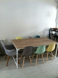 1000 images about maison on pinterest salons eames and for Table chaise eames