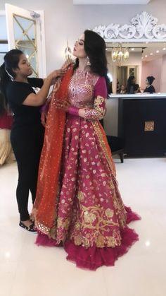 Excellent Wedding Ever Pakistani Fashion Party Wear, Pakistani Dresses Casual, Pakistani Wedding Outfits, Pakistani Dress Design, Bridal Outfits, Indian Dresses, Casual Dresses, Fashion Dresses, Indian Suits