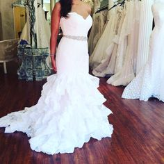 When it's #weddingwednesday and all you want to do is be great ... in @allurebridals, of course!