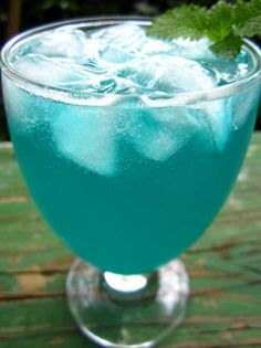 Electric Lemonade (¾ oz vodka ¾ oz blue curacao 1 oz prepared sweet-and-sour mix fill with soda or Sprite) view more details Party Drinks, Cocktail Drinks, Fun Drinks, Cocktail Recipes, Cocktail Names, Colorful Drinks, Blue Cocktails, Cold Drinks, Electric Lemonade