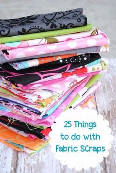 Diy Sewing Projects Projects Things to do With Fabric Scraps ! by Price - Here's a list of 25 fun, easy, cute and creative things to do with fabric scraps. Diy And Crafts Sewing, Diy Sewing Projects, Crafts To Sell, Sewing Hacks, Sewing Tutorials, Sewing Patterns, Sewing Ideas, Sewing Tips, Fabric Patterns