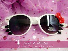 Kawaii Hello Kitty Sunglasses - White Frames with Black Lense