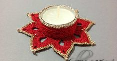 #thecreativefactory,uncinetto schemi gratis, natale, follipassioni, portacandela uncinetto, tutorial uncinetto Crochet Decoration, Christmas Decorations, Christmas Ornaments, Diy Crochet, Crochet Flowers, Tea Lights, Christmas Time, Crochet Earrings, Candle Holders