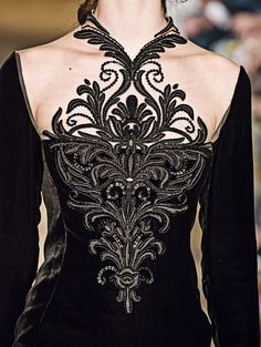 fuckyeahfashioncouture:  Yuliana Yanina Haute Couture Winter 2014