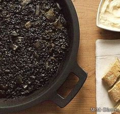 Arroz Negro: Valencia & Catalonia rice cooked with cuttlefish in ink. Dairy Free Recipes, Rice Recipes, Low Carb Recipes, Cooking Recipes, Couscous, Quinoa, Recipes From Heaven, World Recipes, Fish Dishes