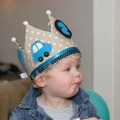verjaardagskroon stof - Google zoeken Royal Theme, Crown For Kids, Felt Crown, Crown Headband, Sewing Toys, Butterfly Wings, Decor Crafts, Photo Booth, Little Ones