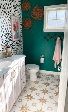 Tips And Ideas For Your Rustic Bathroom Project White Interior Design, Interior Exterior, Bathroom Interior Design, Simple Interior, Home Decor Colors, Easy Home Decor, Cheap Home Decor, Teal Wall Colors, Teal Walls