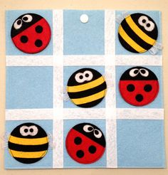 Love the bees and lady bugs Felt Crafts, Crafts To Make, Fabric Crafts, Projects For Kids, Sewing Projects, Felt Games, Quiet Book Patterns, Tic Tac Toe Game, Felt Quiet Books