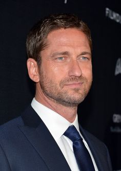 Gerard Butler Photos - 'Olympus Has Fallen' Premiere in Hollywood - Zimbio