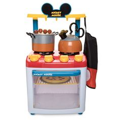 Turn up the pretend play fun with Disney toys that inspire imagination. Mickey and Minnie Mouse and favorite characters from Disney, Marvel and Star Wars make great toys. Mickey Mouse Kitchen Set, Mickey Mouse Toys, Disney Kitchen, Toy Kitchen, Mickey Mouse Clubhouse, Disney Mickey Mouse, Kitchen Stuff, Kitchen Utensils, Shops