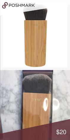 Tarte swirl power cheek brush Brand new in box   Blush & bronzer brush made with a thick head of soft, synthetic bristles and a flat bamboo handle. Helps provide for practically effortless contouring. Works well for applying foundation, blush, bronzer and more. tarte Makeup Brushes & Tools