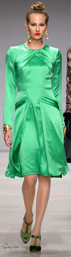 Raffaella Curiel Fall 2015 women fashion outfit clothing style apparel @roressclothes closet ideas