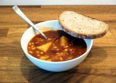 Fazolový guláš Chili, Soup, Chile, Soups, Chilis