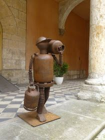 Juan Jesús Villaverde. Esculturas en hierro reciclado: El butanero.