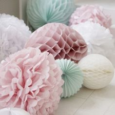 These pom poms are classic Marleny! For your baby shower party, decorate the floor with paper decorations such as accordion lanterns, honeycomb lanterns and tissue paper pom poms Fiesta Baby Shower, Baby Shower Parties, Shower Party, Bridal Shower, Baby Party, Wedding Pom Poms, Wedding Flowers, Wedding Colors, Pastel Wedding Theme
