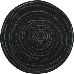 Matala, 32 cm Kivi-lautanen kuuluu Anu Pentikin suunnittelemaan Kivi-sarjaan, joka tuo tummuudessaan jämäkkyyttä ja vähäeleisyyttä kattaukseen. Kivi on upea katseenvangitsija yhdistettynä Kallio-astiaston hempeään värimaailmaan. Kivi-sarja on osa Pentik Studio -mallistoa. Lautasen voi pestä koneessa. Valmistettu Suomessa Posiolla.