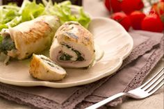 Involtini di pollo e spinaci Salty Foods, Kid Friendly Meals, Fett, Fresh Rolls, Carne, Family Meals, Sushi, Eggs, Dishes