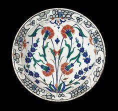 An Iznik pottery Dish Turkey, late 16th Century