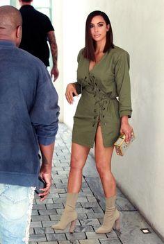 Kim Kardashian Photos Photos - Kanye West and Kim Kardashian hit Ysabel restaurant in West Hollywood on July - Kanye West and Kim Kardashian Visit Ysabel Restaurant Estilo Kardashian, Kardashian Photos, Kardashian Style, Kardashian Jenner, Kardashian Fashion, Kardashian Family, Style Kim K, Kanye West And Kim, Hair