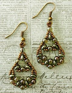 "Linda's Crafty Inspirations: Fiesta Twin Earrings--link to free pattern for these--15/0 seed beads Miyuki ""Dark Bronze"" (457D) 11/0 seed beads Miyuki ""Dark Bronze"" (457D) Twin beads ""Khaki Pearl"" 4mm druks ""Green Luster"""