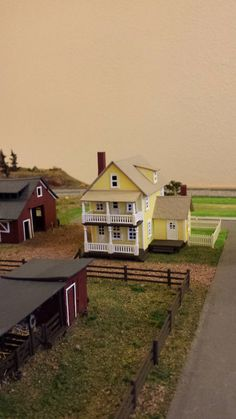 Whittemore HO Scale Train Table - Farm Layout - Install Barn, House, and fences detailing - June 2014