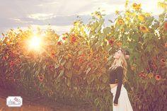 Sunflowers and sunflares, hippy shoot Jesi B Photography senior session, model inspiration www.jesibphotography.com