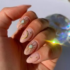 The latest manicure trend is all about magical constellations and space-like effects. See how everyone is wearing galaxy nails! #galaxynails #spacenails #galaxynailart #galacticmanicure #galaxynailtrend #spacemanicure #starmanicure #moonnails #constellationnails #constellationnails #starconstellationmanicure #galaxynailstrend #magneticgalaxynails Edgy Nails, Aycrlic Nails, Funky Nails, Stylish Nails, Trendy Nails, Swag Nails, Hair And Nails, Funky Nail Art, Moon Nails