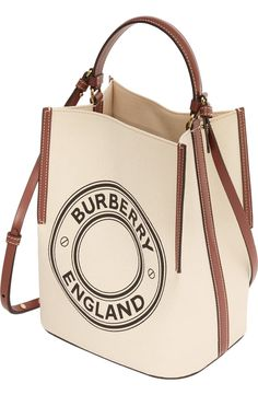 Find tips and tricks, amazing ideas for Burberry handbags. Discover and try out new things about Burberry handbags site Burberry Handbags, Tote Handbags, Purses And Handbags, Tote Bags, Burberry Tote Bag, My Bags, Burberry Bucket Bag, Leather Purses, Leather Handbags
