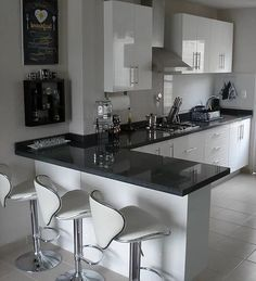 Cocinas Integrales Proyeccsa - Late Tutorial and Ideas Kitchen Room Design, Kitchen Cabinet Design, Modern Kitchen Design, Home Decor Kitchen, Interior Design Kitchen, Home Kitchens, Small Kitchens, Kitchen Colors, L Shaped Kitchen Cabinets