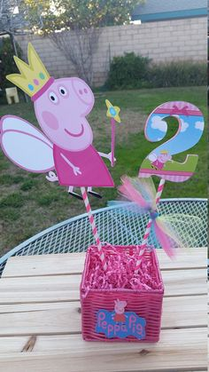 Peppa pig centerpiece. Peppa pig birthday by SilviasPartyDecor