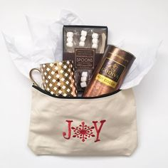 Christmas Gift Idea ☕️ Cocoa for your Co-workers (or neighbors, or teachers, or hair lady, or nail lady) #thirtyone #Thirtyonegifts #31withJonet #31consultant #31uses #31party #Christmas #present #idea #Gift #hotcocoa #Mug #Chocolate