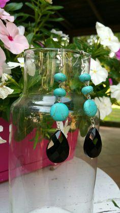 Orecchini pendenti in turchese e cristalli neri