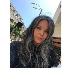 3 Tips on How to Avoid Gray Hair Grey Hair Don't Care, Long Gray Hair, Silver Grey Hair, Going Gray Gracefully, Hair No More, Grey Hair Inspiration, Gray Hair Growing Out, Natural Hair Styles, Long Hair Styles