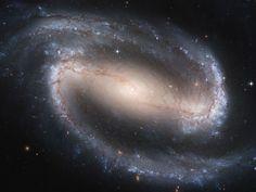 Galáxia espiral NGC 1300
