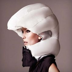 Hovding The Amazing Airbag Cycle Crash Helmet | Cool Feed.me - Cool Stuff To Buy And Drool Over