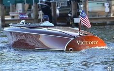 Victory a 1950 Chris Craft Racer