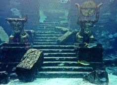 Atlantis, the lost city must have been absolutely beautiful. It must have been better first underwater where everything wasn't so old. Ancient Ruins, Ancient History, Lago Titicaca Peru, Underwater Ruins, Sunken City, Mystery Of History, Lost City, Before Us, Art History