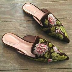 Sandals for women high quality handmade flock flower mules shoes 2017 new summer genuine leather flats lady slippers big size 10 Women's Mules, Mules Shoes, Shoes Heels, Buy Shoes, Bride Shoes, Wedding Shoes, Shoes 2017, Women's Fashion Leggings, Leather Flats
