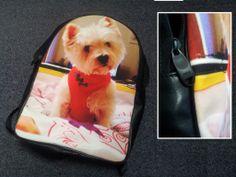 La foto del proprio cagnolino su uno zainetto di altissima qualità.