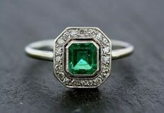 Art Deco Emerald Ring - Antique Emerald & Diamond 18ct White Gold and Platinum Cluster Ring